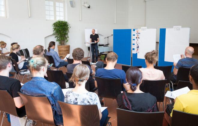 SCHWEIZ - SOLOTHURN - Sommerakademie von Infoklick.ch, hier das Schlussfazit mit Andy Limacher - 13. Juli 2017 © Raphael Hünerfauth - http://huenerfauth.ch